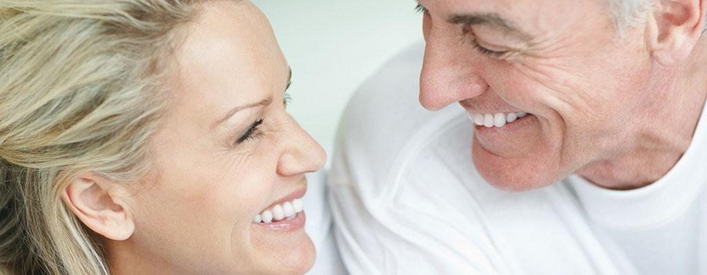 Mantener los implantes dentales es clave para su futuro